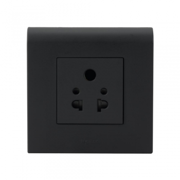Myrius Black 6 A 5 Pin with Universal Socket 2 Module-1